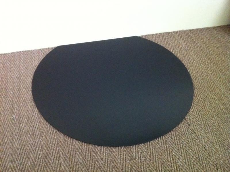 plaque de sol en acier noir laqu. Black Bedroom Furniture Sets. Home Design Ideas